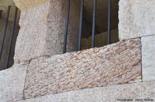 """Détails sur les """"fenêtres"""" de la lunette d'Arçon de Mont-Dauphin"""