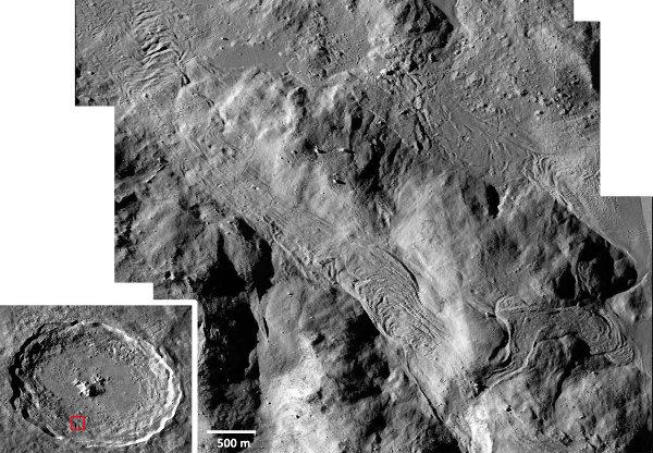 Détail du pied du rempart Sud du cratère lunaire Tycho