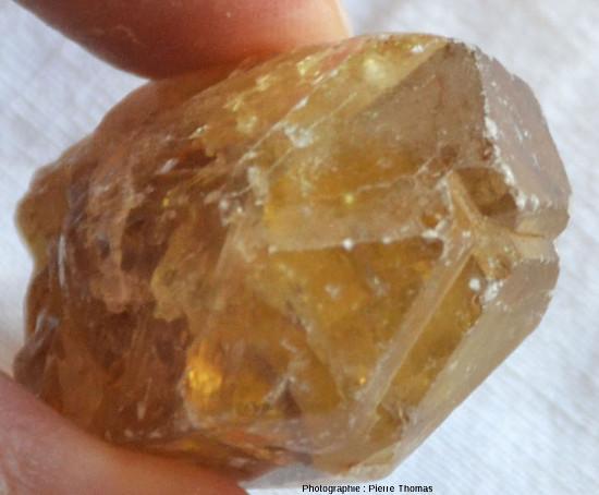 Échantillon de barytine provenant de la région de Saint Babel (Puy de Dôme)