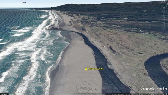 Vue aérienne de la plage de Cucao (ile de Chiloé, Chili)