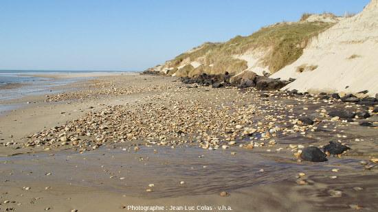 Vue globale sur une plage des communes de Grayan-et-l'Hôpital, Vensac et Vendays-Montalivet en Gironde