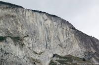 Les adakites de Coyhaique (Chili): des prismes extraordinaires faits de roches rares dans un contexte géologique peu fréquent