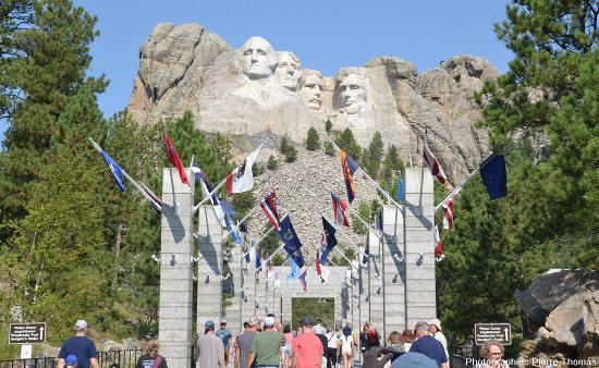 Le Mont Rushmore et ses quatre présidents américains
