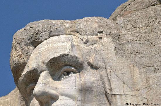 "Filons de pegmatites ""balafrant"" le front d'Abraham Lincoln, Mont Rushmore (Dakota du Sud, USA)"
