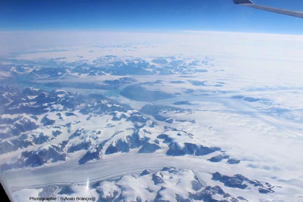 L'amont du glacier principal des figures précédentes, côte Est du Groenland