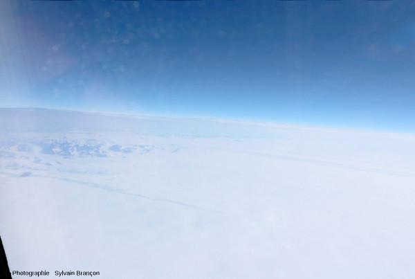 Survol du centre de la calotte glaciaire groenlandaise
