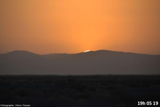 Huit secondes avant la disparition du soleil, zoom réglé sur 200mm