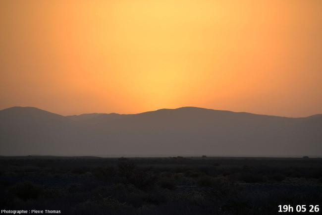 Dernière seconde avant la disparition du soleil, zoom réglé sur 200mm