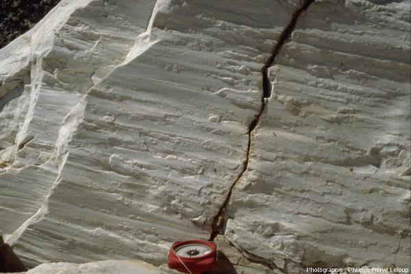 Détail d'affleurement de marbre dans les monts Diancang, au-dessus de Dali (Yunnan, Chine)