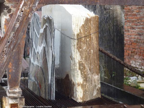Découpe en tranches de blocs de marbre de Dali (Chine)