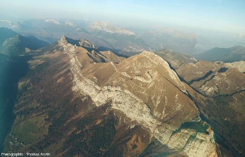 Le synclinal perché du Trélod (2181m), dans le massif des Bauges, Haute Savoie
