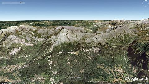 Vue aérienne correspondant à la mosaïque du massif de Platé ci-dessus