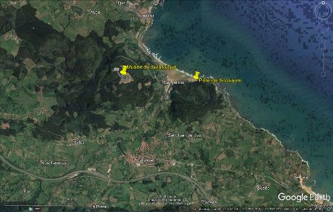 Localisation du MUJA et de la plage à des pistes de dinosaures près de Colunga sur la côte des Asturies, Espagne