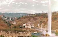 Le 4 novembre 1981, un geyser jaillit à Saint-Nectaire (Puy de Dôme)