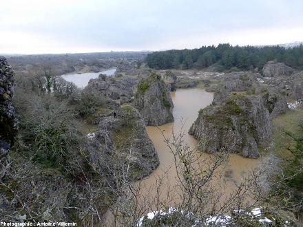 Le lac des Rives en période de hautes eaux en décembre 2014