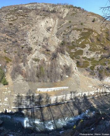 Vue globale sur la partie orientale du glissement du Pas de l'Ours