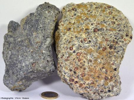 Deux échantillons ramassés sur le sentier du Parcours Découverte, géosite minier de Saint-Marcel et Servette (Val d'Aoste, Italie)