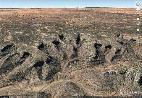 Vue aérienne des reculées du secteur de la vallée de Betatakin dans le Monument national Navajo (Arizona)
