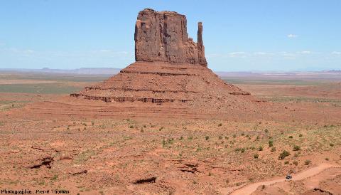 West Mitten Butte, l'une des plus emblématiques buttes témoins de Monument Valley (USA)