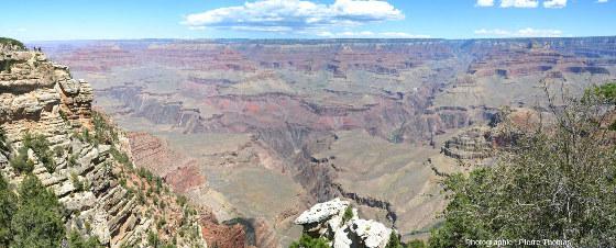 Vue d'ensemble du canyon du Colorado depuis Grand Canyon South Rim Village, Arizona (USA)