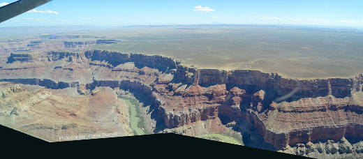 Détail de la rive Est (rive gauche) du canyon du Colorado à l'Est de la flexure due au Butte Fault System