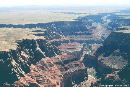 Vue sur le canyon du Petit Colorado, affluent de la rive gauche du Colorado, Arizona (USA)