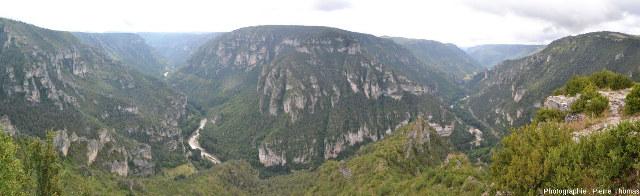 Les gorges du Tarn vues d'en haut depuis le Point Sublime