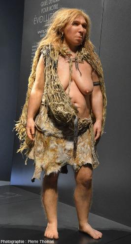 Représentation moderne de ce qu'on pensait (en 2011-2013) des Néandertaliens