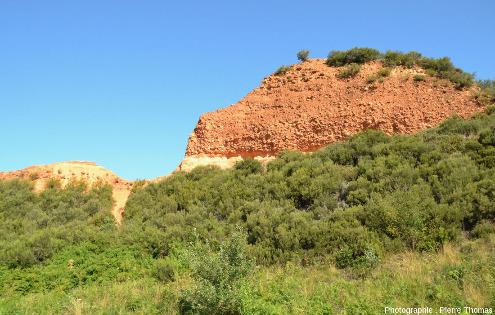 Les alternances argilo-sablo-conglomératiques d'âge miocène laissées en place par les Romains, Las Médulas (Espagne)