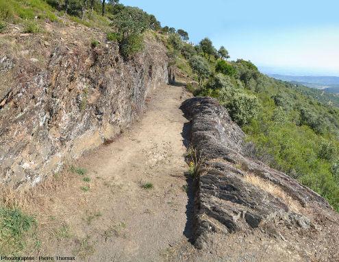 Section bien conservée d'un canal romain d'amenée d'eau situé près du Mirador d'Orellan