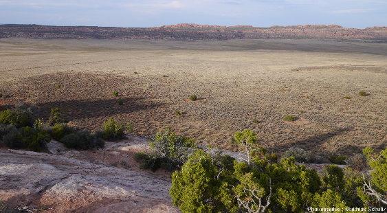 La Salt Valley, au centre du Parc national des Arches, photographiée depuis sa bordure Ouest (secteur des Klondike Bluffs)