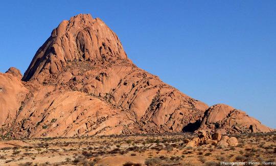 La face Sud-Sud-Est du Spitzkoppe, Namibie