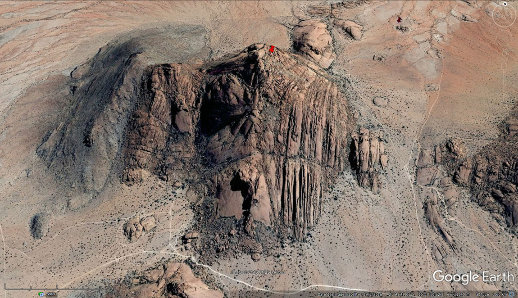 Vue aérienne oblique du sommet du Spitzkoppe (punaise rouge), Namibie