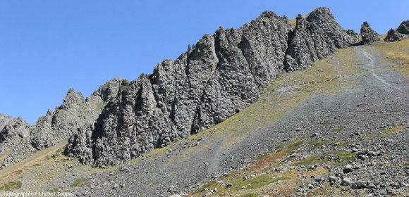 L'affleurement de basaltes en coussins du Collet Vert (massif du Chenaillet) n'a rien à envier à ceux d'Oman ou de Chypre