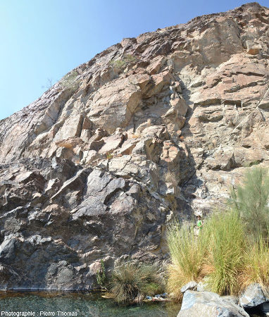 Le Moho de la partie aval du wadi Bani Kharus, Oman