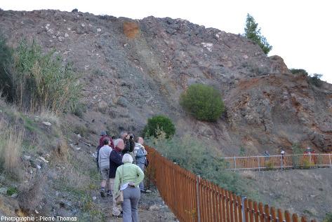 Sentier aménagé permettant de parcourir une ancienne mine de cuivre de Chypre