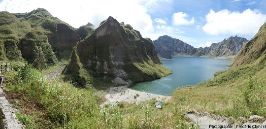 En arrivant sur le rebord Nord de la caldeira du Pinatubo (Philippines)