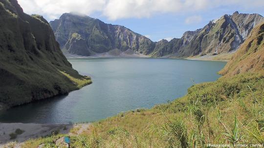 Détail du rempart Sud-Ouest de la caldeira du Pinatubo (Philippines)