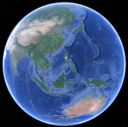 Localisation du Pinatubo, à l'aplomb de la subduction de la plaque philippine sous l'ensemble Indonésie-Philippines-Mer de Chine-Indochine, ensemble qui fait partie de la plaque eurasiatique