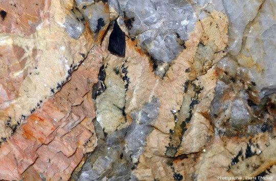 Pegmatite à béryl, vers Ambazac (Haute-Vienne)