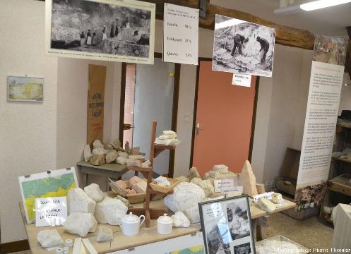 L'intérieur du petit musée de Marcognac, installé sur place
