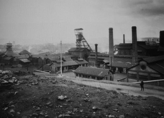 Le puits Couriot, après 1919, avec son chevalet métallique qui est encore visible en 2019