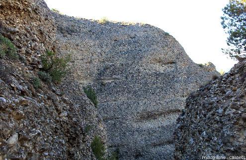 Détail de la stratification des Pénitents des Mées