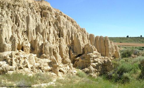 Vue d'ensemble sur un secteur des Aguarales de Valpalmas, province de Saragosse, Aragon, Espagne
