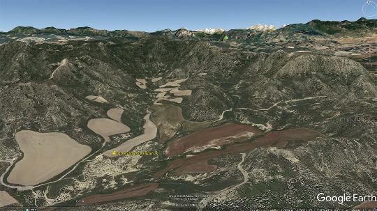 Vue aérienne montrant la position des Aguarales de Valpalmas(punaise jaune)