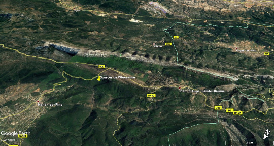 Vue aérienne vers le Sud-Est du massif de la Sainte Baume