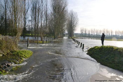 La vallée normalement sèche reliant les pertes de l'Aure et le début du cours de l'Aure inférieure, complètement inondée ce 29 décembre 2019