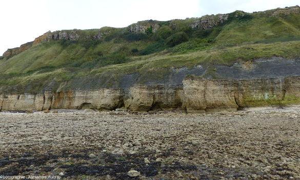 Vue sur les falaises de Sainte Honorine-des-Pertes, commune de Port-en-Bessin, Calvados
