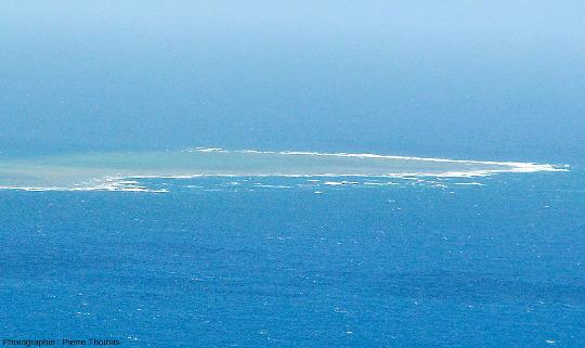 Vue sur Milln Reef, 7km au Nord-Est de Moore Reef, Grande Barrière de Corail, Australie
