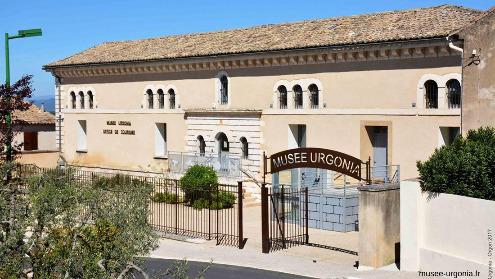 L'entrée du Musée Urgonia à Orgon, Bouches du Rhône